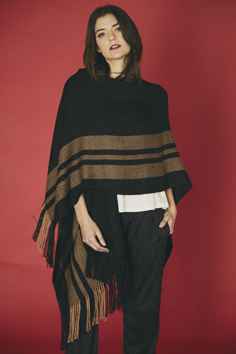 Ruana Maya Black / Camel